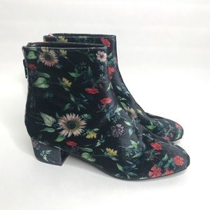 """Betsey Johnson """"Talia"""" Floral Ankle Bootie Size 8"""